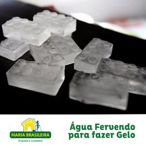 Água fervendo para fazer gelo
