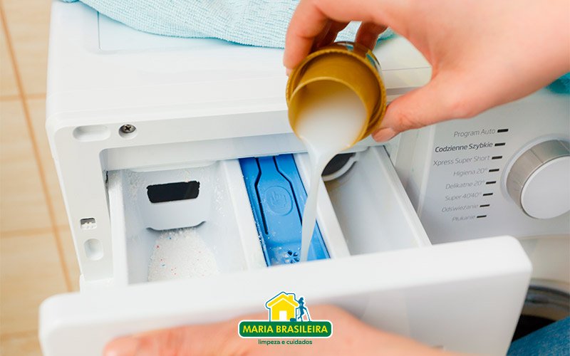 maquina-de-lavar-amaciante-branco